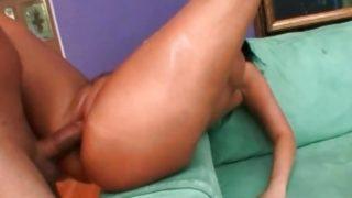 Big ass milf with nice big tits gets